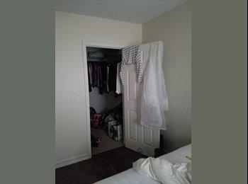 EasyRoommate US - Mature career oriented roommate needed..., Roswell - $900 pm