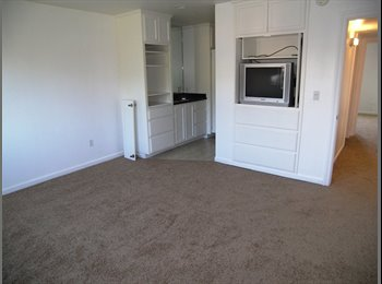 EasyRoommate US - Large Private Room , Clairemont - $1,200 pm