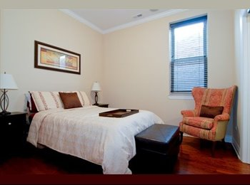 EasyRoommate US - Great 1 Bed with Ensuite Bath in Beautiful Condo, Avondale - $1,100 pm