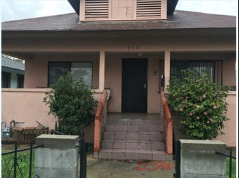 EasyRoommate US - Centrally located Los Angeles room for rent, Lincoln Heights - $760 pm