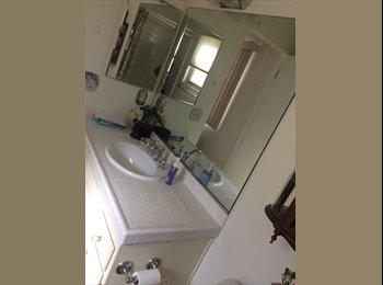 EasyRoommate US - Room for rent, Warner Center - $799 pm