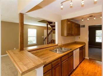 EasyRoommate US - Great Location, Timberlake - $600 pm