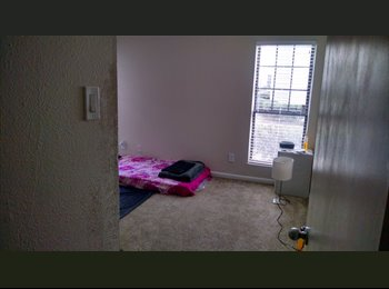 EasyRoommate US - $360/ Month Semi Furnished Room for Rent, University - $360 pm