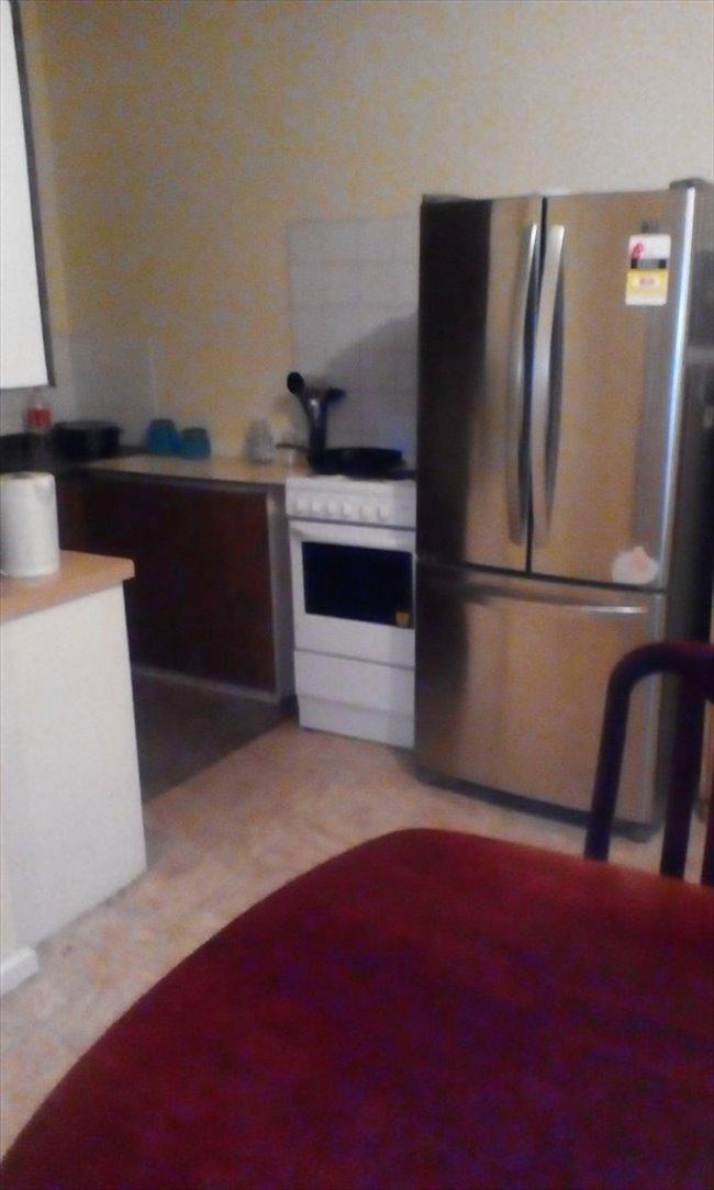 Room to rent in Elizabeth Town - Room 4 Rent - Image 1
