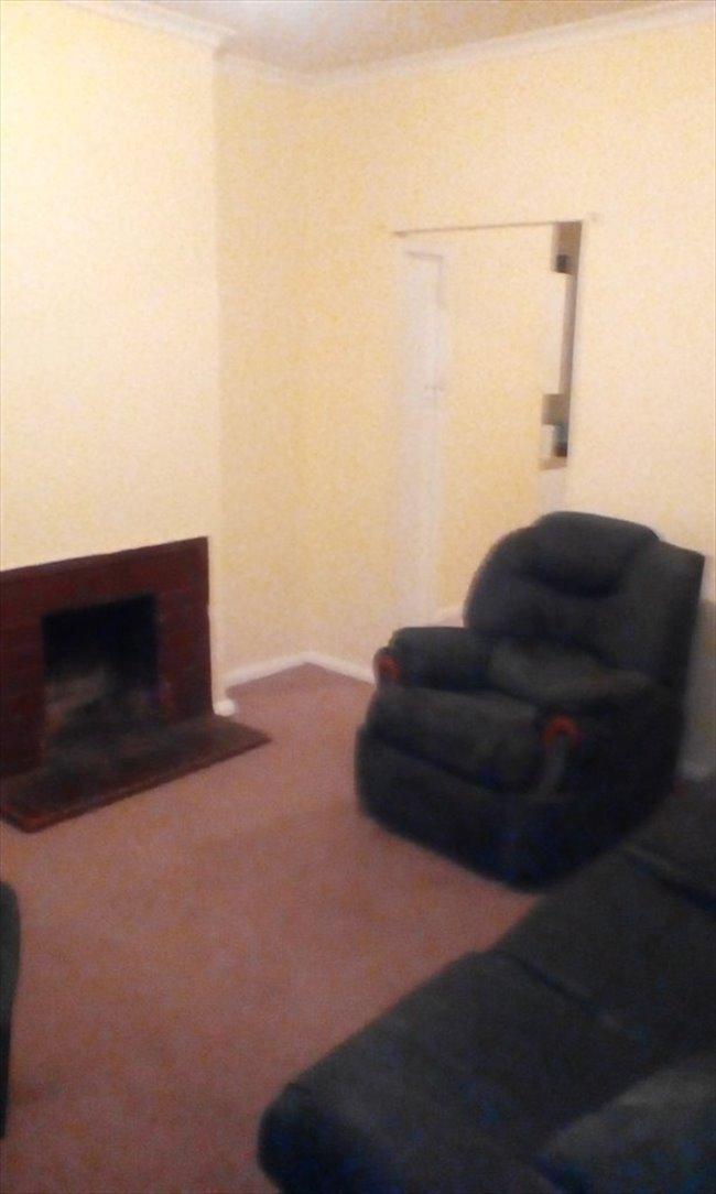 Room to rent in Elizabeth Town - Room 4 Rent - Image 5