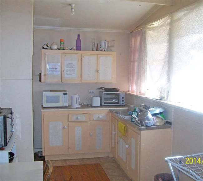 Room to rent in Elizabeth Town - Comfortable Stable Budget Accomodation - Image 7