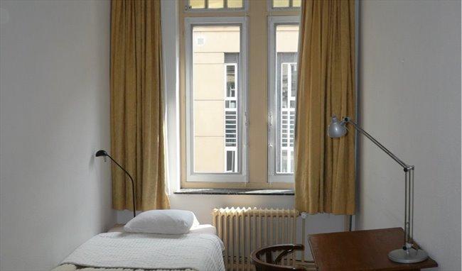 Colocation à Etterbeek - chambre dans une maison ART NOUVEAU | Appartager - Image 1