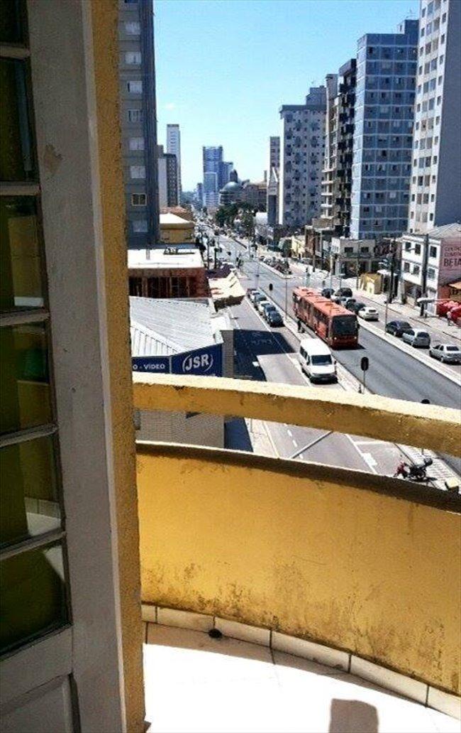 Aluguel kitnet e Quarto em Curitiba - Temos quarto vago por 700 | EasyQuarto - Image 1