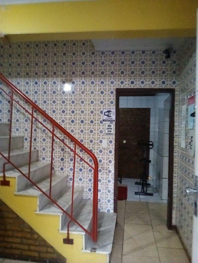 Aluguel kitnet e Quarto em Porto Alegre - Quarto individual mobiliado em ótima casa | EasyQuarto - Image 2