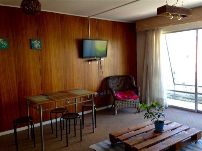 Pieza en arriendo en Concepción - Habitacion disponible en dpto a dos cuadras de Udec | CompartoDepto - Image 2