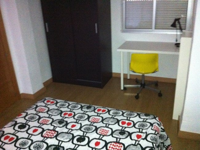 Piso Compartido en Malaga - UMA El Ejido REFORMADO muebles nuevos.2014/15 | EasyPiso - Image 7