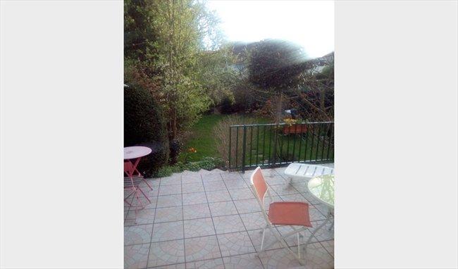 Colocation à Chilly-Mazarin - Chambre avec vue sur jardin | Appartager - Image 2