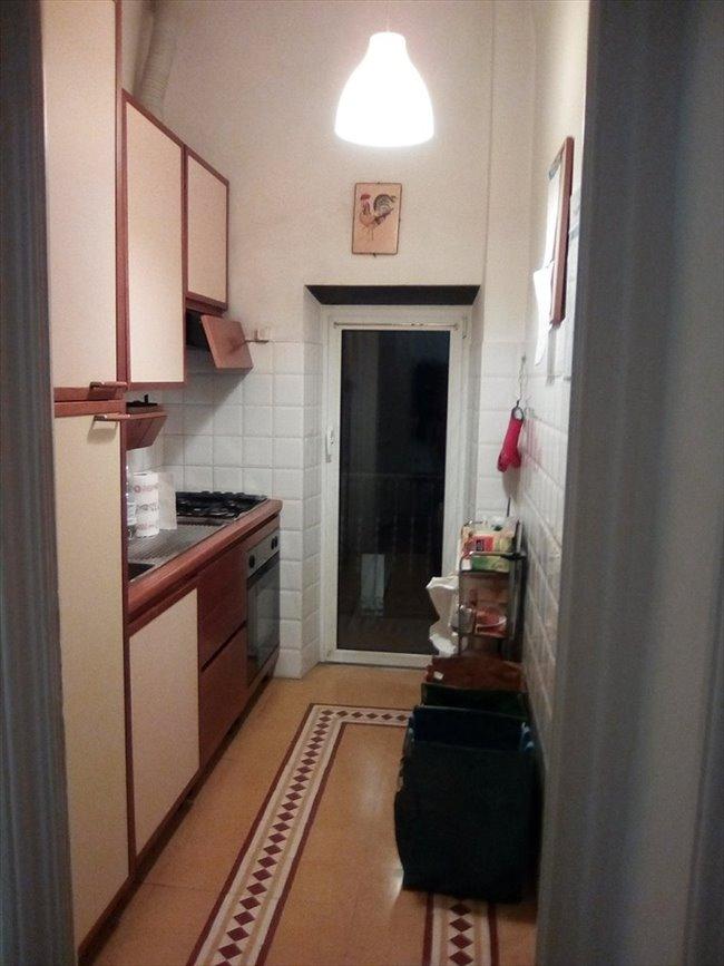 Stanze e Posti Letto in Affitto - Genova -  Stanza  Luminosa con Balcone a 300 euro   EasyStanza - Image 3