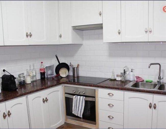 Stanze e posti letto in affitto assago camera singola con grande letto e bagno privato - Singola con bagno privato milano ...