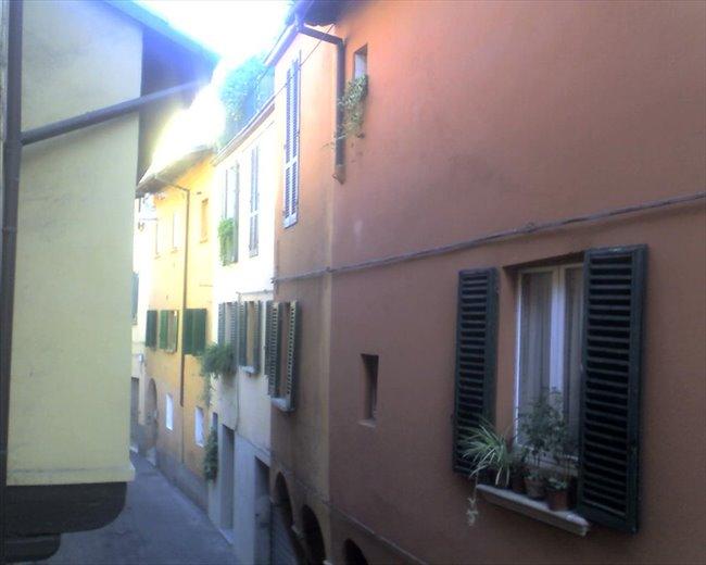 Stanze e Posti Letto in Affitto - Bologna - Centralissima singola in ambiente tranquillo.   EasyStanza - Image 3