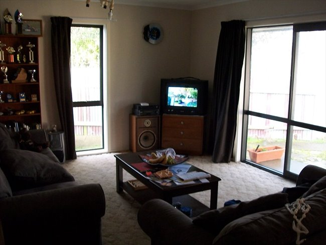Room to rent in Invercargill - Room available - Image 1