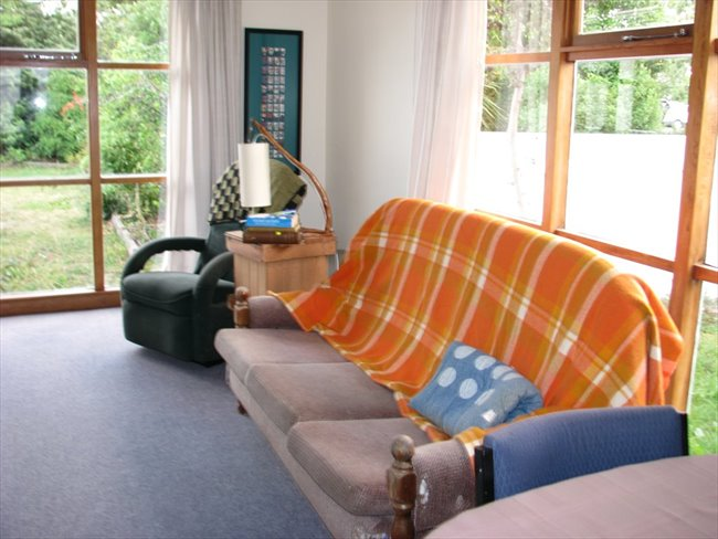 Room to rent in Christchurch - Flatmate wanted - Image 5