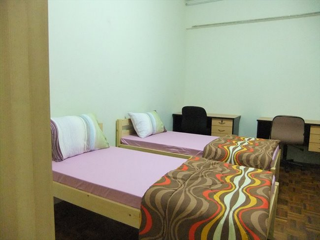 Room for rent in Bras Basah - Monica's Homestay at the HEART of action - Image 3