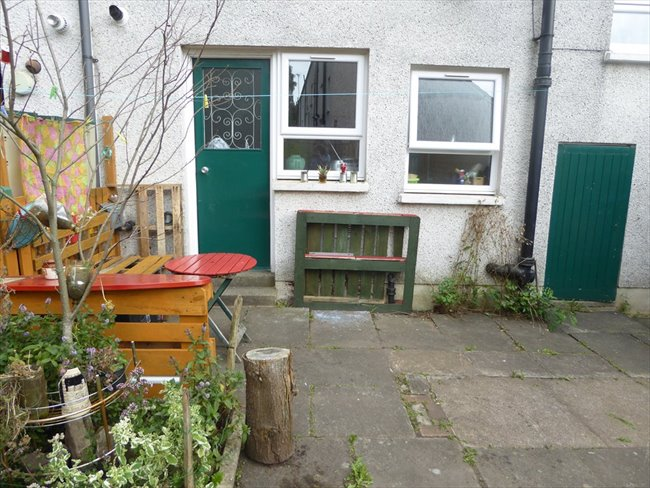 Room to rent in Hillington - Students preferred but others also welcome: - Image 6