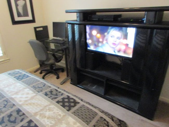 Room for rent in Jersey Village - HOUSE SITTERS WANTED - Image 4