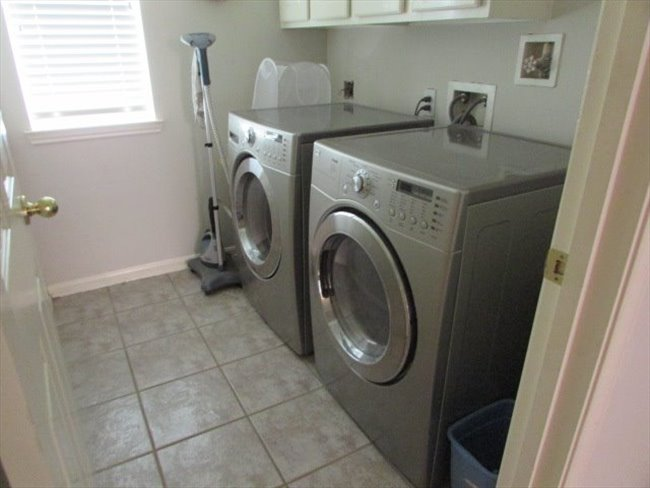 Room for rent in Jersey Village - HOUSE SITTERS WANTED - Image 5
