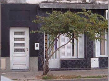 CompartoDepto AR - RESIDENCIA UNIVERSITARIA RIVADAVIA - en Santa Fe - ARGENTINA, Santa Fe de la Vera Cruz - AR$ 1.700 pm
