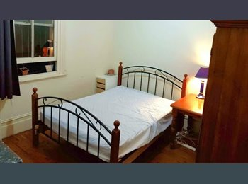 EasyRoommate AU - Student Accommodation – Walk UNSW & Coogee Beach, Kingsford - $210 pw
