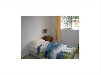 EasyRoommate AU - Female Share Accommodation, Manoora - $100 pw