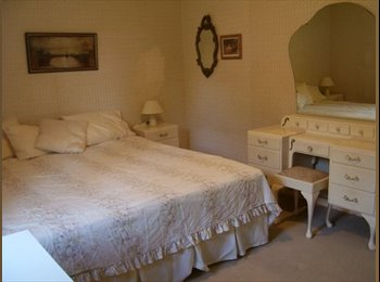 EasyRoommate AU - Furnished double bedroom- king size bed, Brentwood - $200 pw