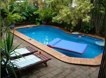 EasyRoommate AU - A stunning home to share, Whitfield - $140 pw