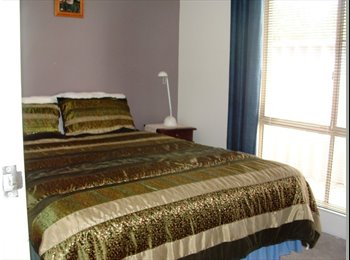EasyRoommate AU - Cosy and clean, fully furnished small bedroom, Woodbridge - $180 pw