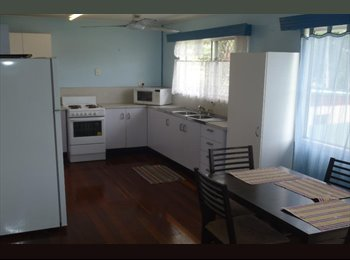 EasyRoommate AU - Clean bright & close to JCU, Cranbrook - $140 pw