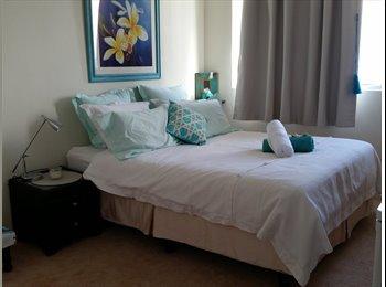 EasyRoommate AU - Leased!!!! Large Private En-suite Room in Seaview 2BR Apartment     , Waverley - $400 pw