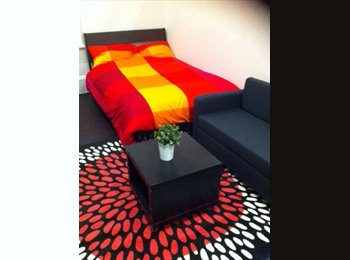 EasyRoommate AU - City Single, Twin & Double Rooms - TWIN ROOM AVAILABLE, Darlington - $180 pw