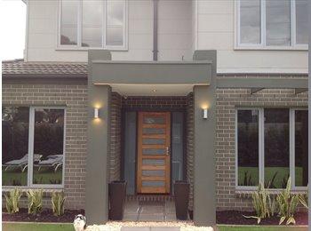 EasyRoommate AU - Modern Town House in Bayside Area, Hampton - $390 pw