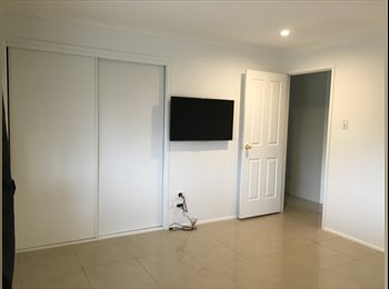EasyRoommate AU - Room available~ unfurnised~ Pool~Wifi~Benowa , Gold Coast - $300 pw
