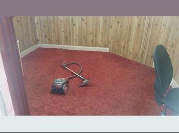 EasyRoommate AU - Room for rent joffre street behind coles, Launceston - $100 pw