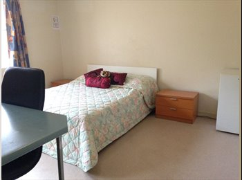 EasyRoommate AU - Granville! Queen Size Bedroom Available for Single or Couple!, Guildford - $240 pw