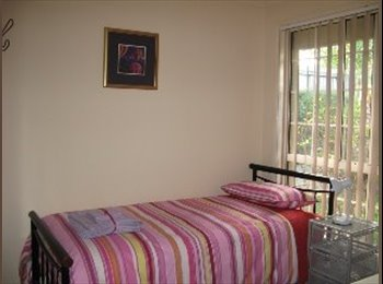 EasyRoommate AU - QUALITY SHAREHOUSE - Griffith Uni Students , Southport - $150 pw