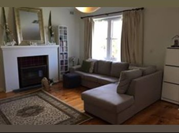 EasyRoommate AU - Great, large room for rent in great location, Lynton - $180 pw