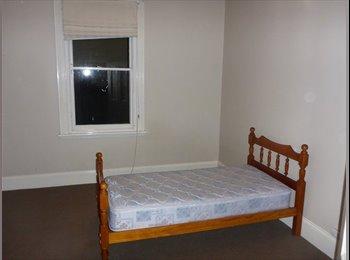 EasyRoommate AU - room for rent, Launceston - $114 pw