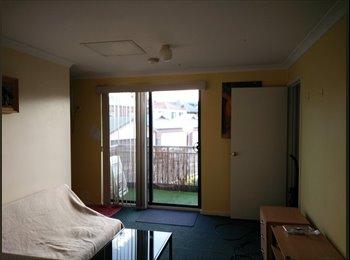 EasyRoommate AU - Studio Apartment, Iluka - $280 pw