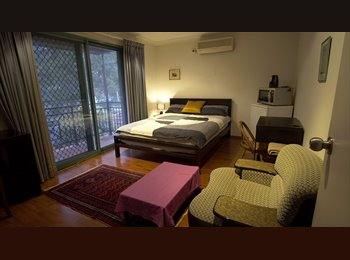 EasyRoommate AU - Luxury Room Available in Randwick / Kingsford, Kingsford - $320 pw