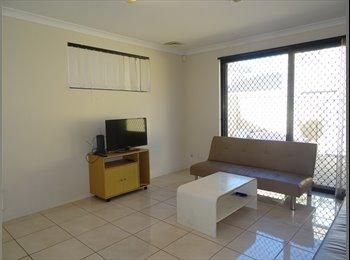 EasyRoommate AU - Single Room, Hill View Terrace, Bentley. ID – 2014, St James - $140 pw