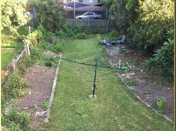EasyRoommate AU - New Farm share house seeks fourth mate, Spring Hill - $180 pw