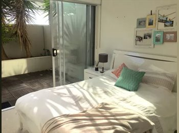 EasyRoommate AU - Awesome unit on James St, Newstead - $210 pw