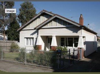 EasyRoommate AU - Preston Victoria Great share house, Preston - $185 pw