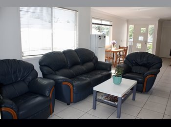 EasyRoommate AU - Bright beautiful room to rent., Landsborough - $140 pw