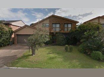EasyRoommate AU - Two Storey Home in Quiet Neighbourhood, Miranda - $400 pw