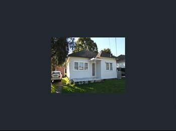 EasyRoommate AU - quite house with yard, Lansdowne - $220 pw